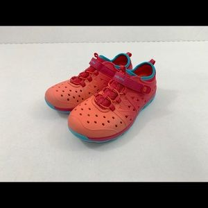 Stride rite phibian made 2 play shoes